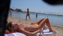 voyeur-beach-compilation-15-3