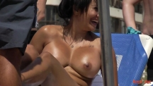 boobs-and-sunbeds-06-103