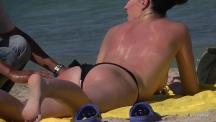 topless-beach-massage-102